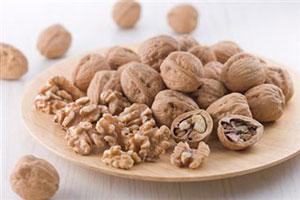 Грецкие орехи продлевают женскую молодость