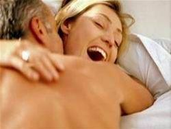 Регулярный секс улучшает женское зрение