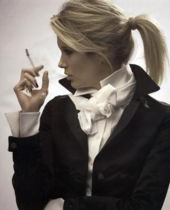 Стройные курящие женщины после менопаузы сильно рискуют заболеть раком груди