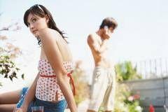 Может ли красивая женщина любить невзрачного мужчину?