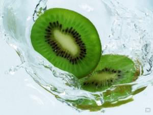 Киви признали самым полезным для девушек фруктом