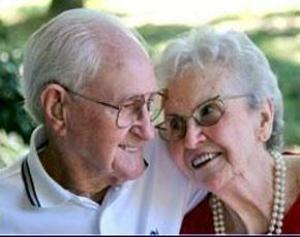 Пожилым людям полезен секс