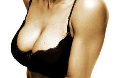 Почему размер груди женщин увеличивается?