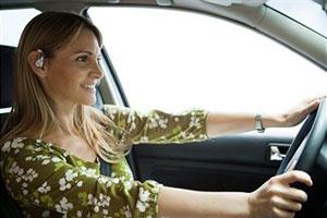 Машина для девушки: как выбрать и как водить
