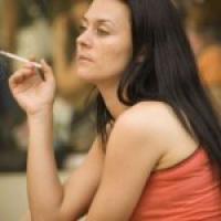 Курение после менопаузы повышает уровень половых гормонов