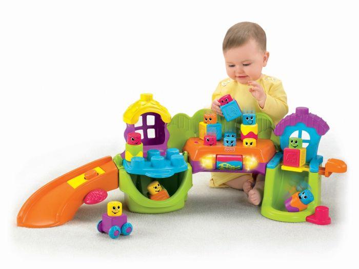 Роль развивающей игрушки для малыша