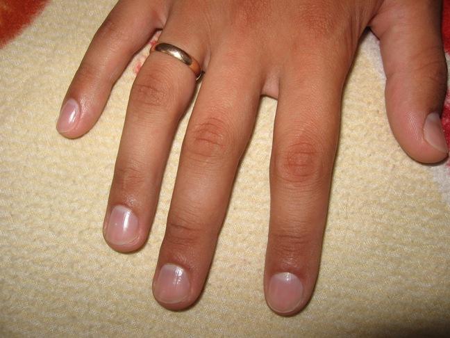 Подстриженные ногти на руках