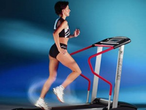 Как похудеть с помощью беговой дорожки?