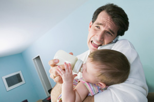 Послеродовая депрессия пап портит поведение детей