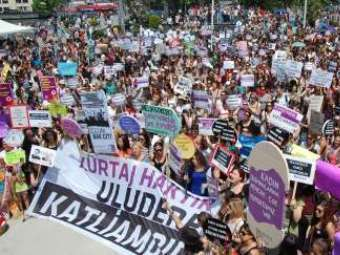 Турецкие гинекологи потребовали конституционных гарантий права на аборт