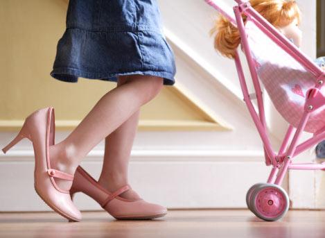 Как правильно выбрать обувь для малыша?