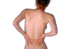 Почему болит спина у женщин