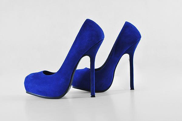 Женская туфелька как модный атрибут стильного интерьера