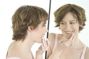 Как выглядеть моложе своих лет: 4 причины старения кожи