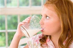 Топленое молоко устраняет аллергию