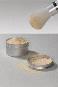Как замаскировать прыщи с помощью макияжа