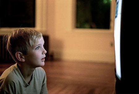Телевизор и ребенок – огромный вред или польза