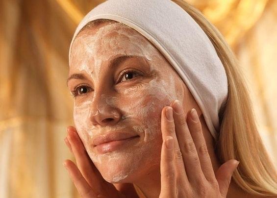 Как приготовить натуральный скраб для лица?