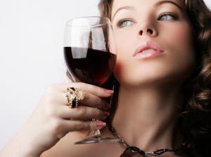 Помидоры и красное вино помогут избежать рака крови