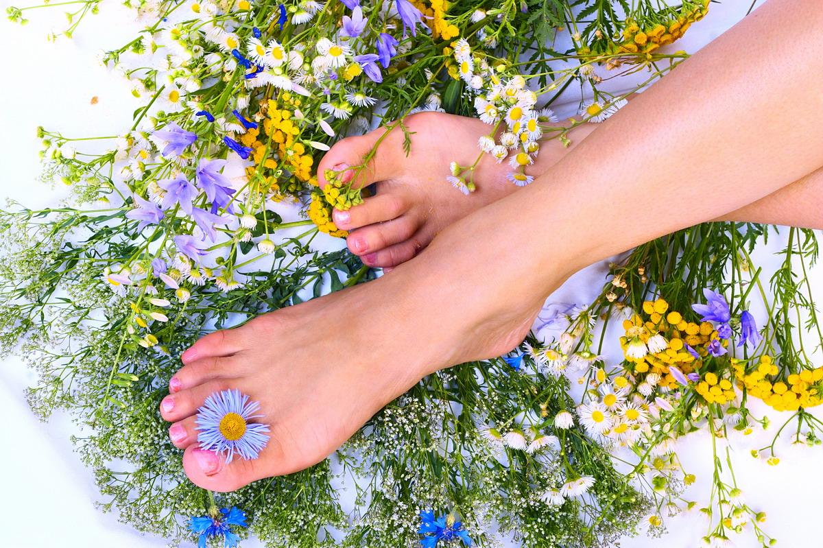 Уход за ногами: решаем основные проблемы