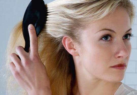 Каким образом можно приостановить появление седых волос
