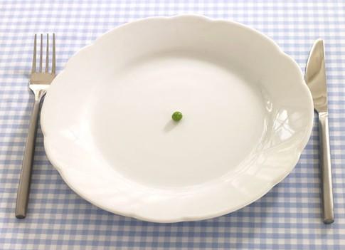 Часто люди прибегают к такому кардинальному методу, как голодание