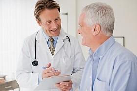 Пожилые мужчины страдают от незнания симптомов рака