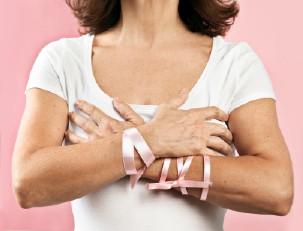 Ученые рассказали, как женское молоко вылечит рак
