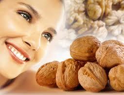 От диабета женщин могут защищать грецкие орехи