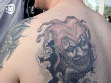 Татуировки скрывают меланому, предупреждают онкологи
