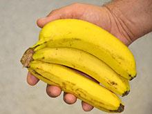 Бананы и картофель спасут активных мясоедов от рака
