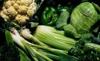 Зеленые овощи и мед полезны для женщин детородного возраста