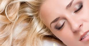 Как правильно ухаживать за волосами и кожей зимой