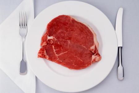 Можно ли есть сырое мясо или мясо с кровью во время беременности?