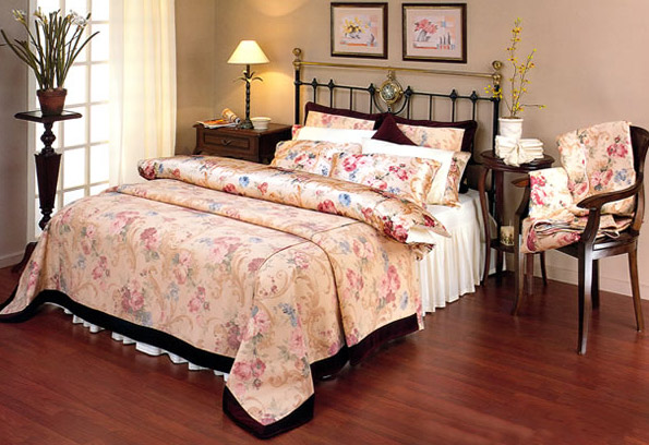 Комбинация роскоши и уюта — шелковое белье