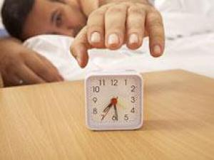 Недосып делает мужчин бесплодными и уменьшает размер их яичек