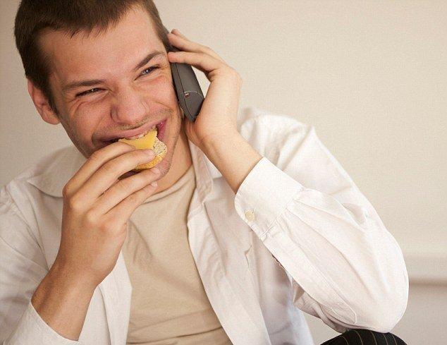 Жирная пища делает мужчин бесплодными