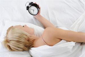 Гормональные особенности заставляют женщин больше страдать от нехватки сна