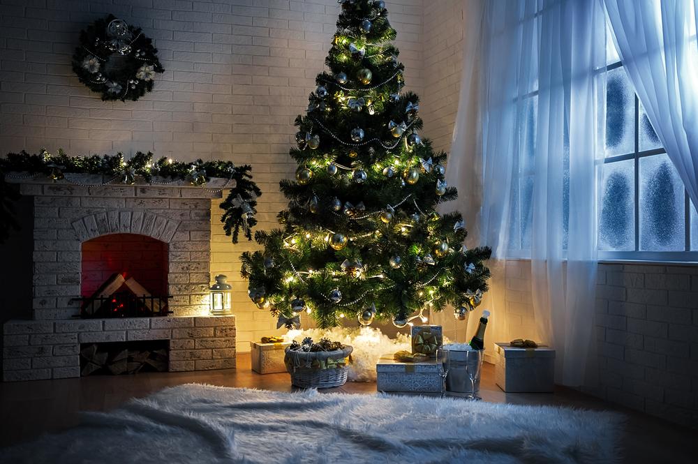 Искуственная елка на новый год