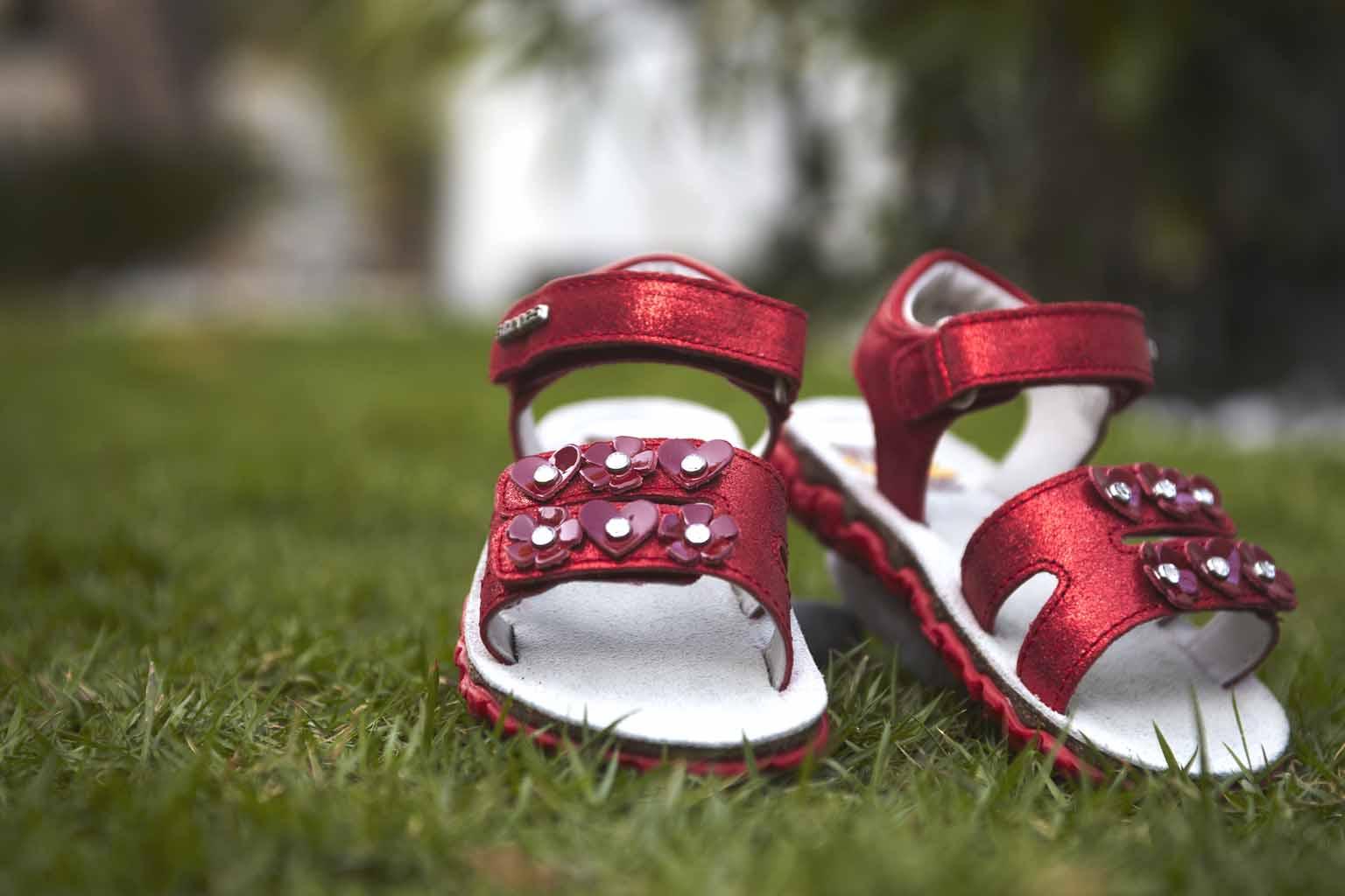Как грамотно подобрать ортопедическую обувь для ребенка