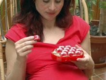 Ученые посоветовали беременным есть шоколад