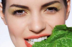 Похудеть без занятий спортом поможет зелень