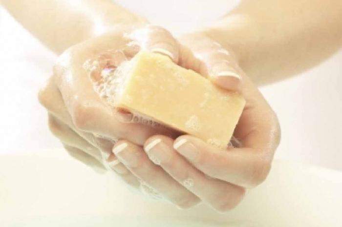 Хозяйственное мыло и его применение в косметологии