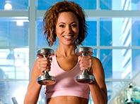 Женщинам нужно тренироваться согласно менструальному циклу, говорят эксперты