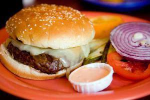 Злоупотребление солью повышает риск рака желудка