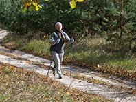 Недолгие прогулки после еды снижают уровень сахара у диабетиков