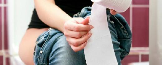 Идет кровь из заднего прохода при геморрое: как остановить геморроидальное кровотечение, причины и лечение
